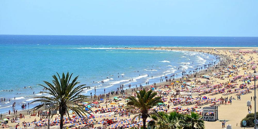 Playa del Ingles in Gran Canaria