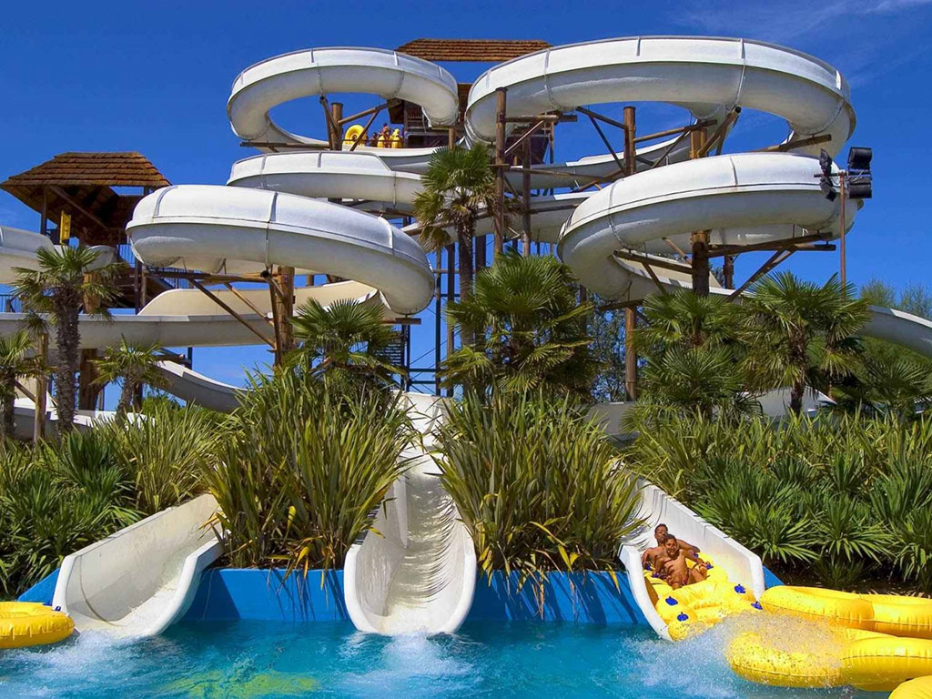 Aqualandia Water Park