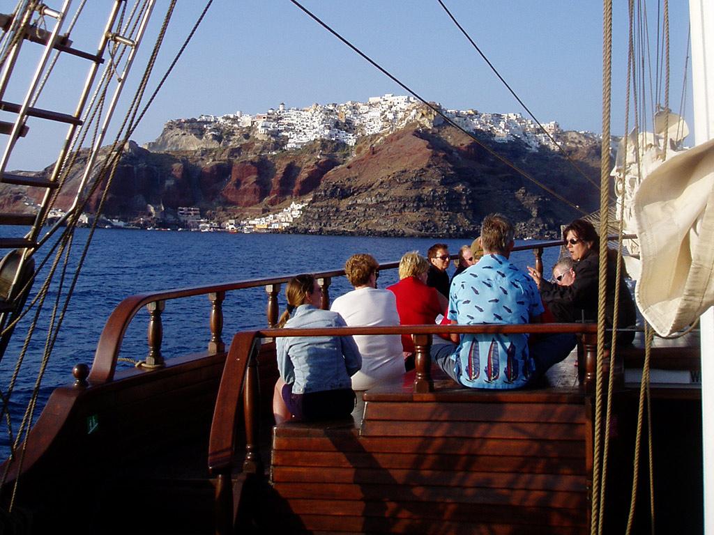 Caldera Cruise
