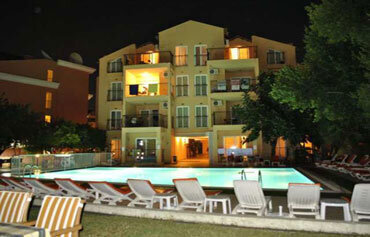 Club Dena Apartments