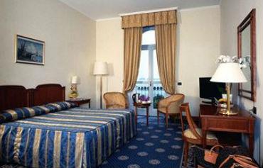 Hotel Savoy Palace