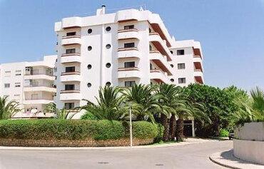 Mirachro III Apartments