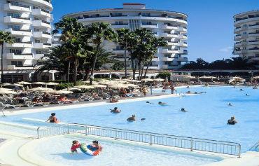 Servatur Waikiki Hotel
