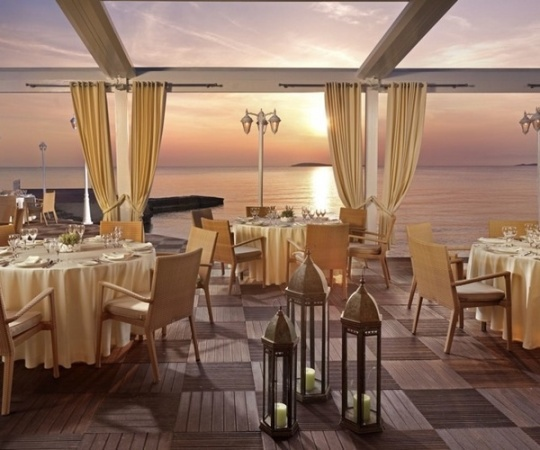 Divani apollon palace and thalasso athens greece for Apollon greek and european cuisine