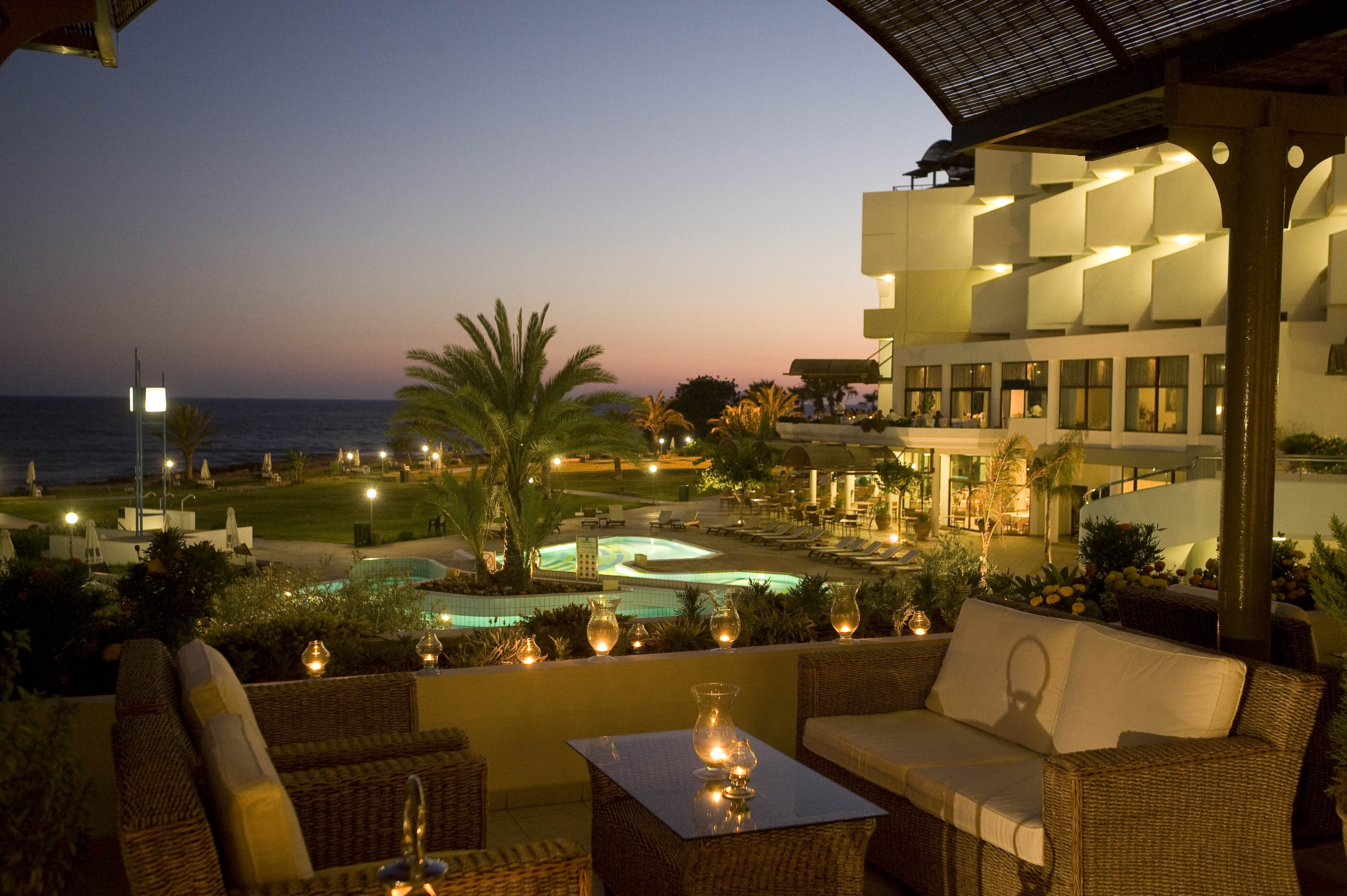 ATHENA ROYAL BEACH HOTEL 4* DELUXE PAPHOS - CYPRUS