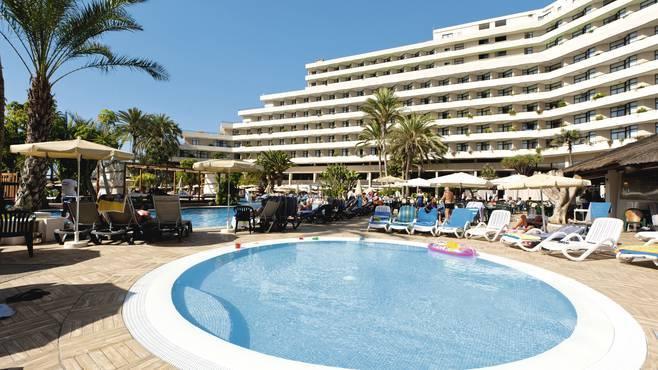 Cheap holidays to hotel h10 conquistador playa de las - The conquistador tenerife ...