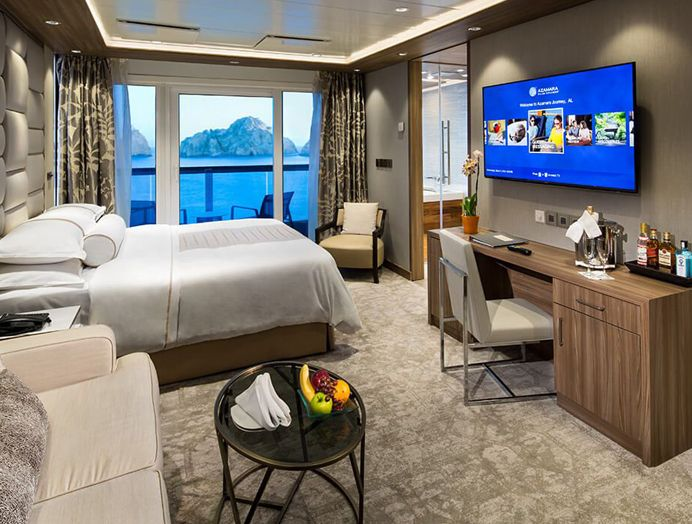 Club world owner's suite en Azamara Club Cruises