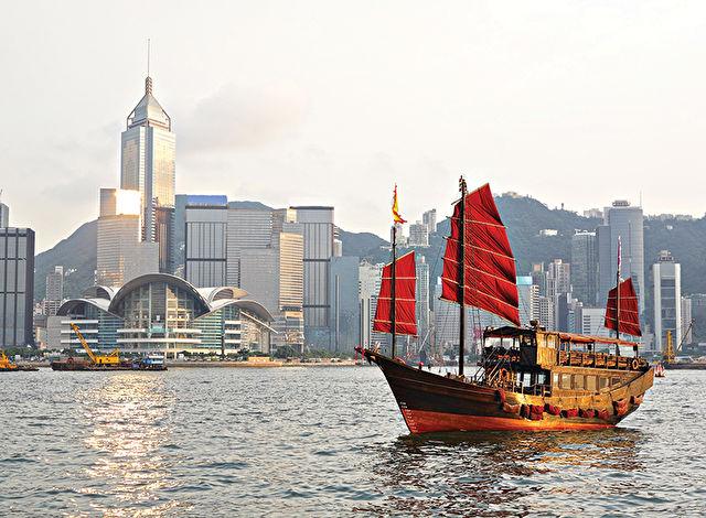 Hong Kong Stay & Best of Vietnam Cruise